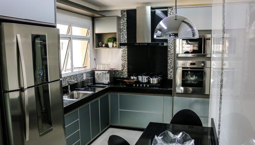 Penser à choisir un frigo Américain avec tiroir dans sa maison.